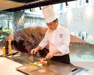 神戸・大阪を中心に52店舗を展開する吉祥グループで、鉄板焼き調理の料理人を新たに募集します!