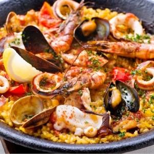 イタリアとスペインのお料理や、ワインが楽しめるお店です。