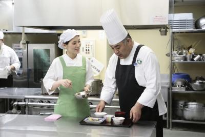 東京・神奈川・埼玉・大阪・兵庫エリアの有料老人ホームで、調理スタッフを募集!