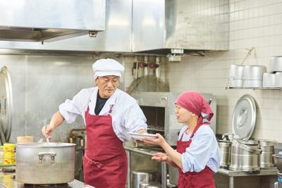 静岡にある<ゆうゆうの里>2施設で、調理師を募集します。