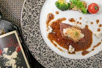 北新地で展開する創作フレンチレストラン「北新地 黒猫」で、キッチンスタッフを募集します。