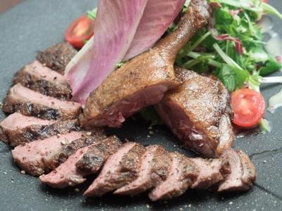 <東京23区内に3店舗>こだわりの肉料理と、豊富な種類のワインを取り揃えた、肉バルダイニングです!