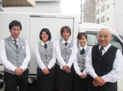 大阪市東住吉区にある【日本料理 葵】で冠婚葬祭の料理を配送&配膳するアルバイトです♪