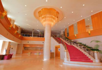 稚内の観光拠点からも好アクセスのホテルで、ホールスタッフを募集します!