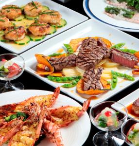 ステーキにとどまらず、さまざまな料理をご提供。調理スキルを上げながら、料理長を目指しませんか。