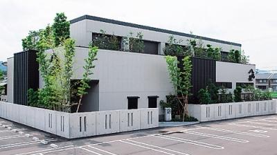 1971年の設立以来、国内に和食店を12店舗、国内外にラーメン店249店舗を展開する安定企業です