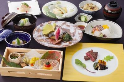 地元兵庫・淡路島の食材にこだわった新鮮な食材をふんだんに使った日本料理です。