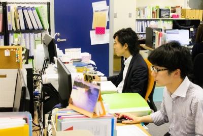 梅田・北新地を中心に個室居酒屋やバルなど14店舗を展開しています。