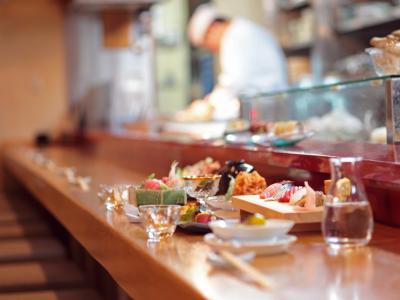 """""""お客様が気軽に楽しめるお店""""をテーマに、京都・祇園で2018年に創業から43年目を迎えた当店。"""