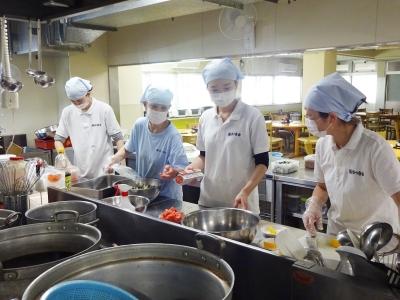 調理師免許を活かして、入居者さまを食の面からサポートしませんか?20代の女性も活躍しています
