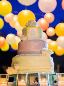 東証一部上場企業が母体の工房で、オリジナルのウェディングケーキを作りましょう。