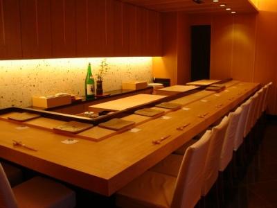 銀座に誕生する当店で寿司職人として腕をふるってください!