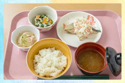 季節の食材や行事にあわせて、見た目にも楽しく、食べて美味しいお料理をご提供します。