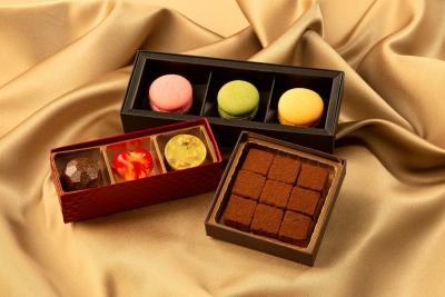 バレンタインには、パティシエ特製バレンタインチョコレートをご用意。手作りで限定数の販売です。