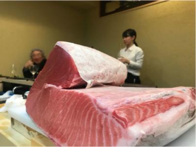 日本有数の厳選食材が集まる仕入れ先から確保した魚の知識、当店独自の調理技術を惜しみなく伝授します。