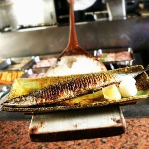 秋は北海道から直送される新秋刀魚がおすすめです