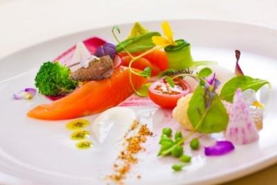 旬の食材を使用した料理を提供。
