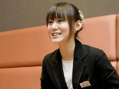 あべのキューズモール店で店長を務める松井さおりさん。「私と一緒に働きやすい環境を作りましょう!」