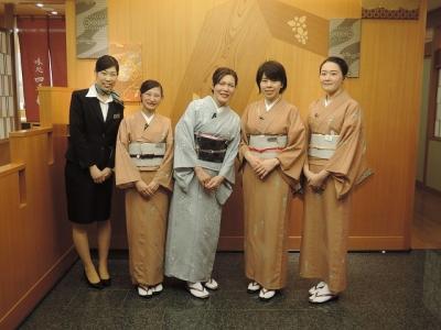 「なだ万」で、日本の食文化・おもてなし文化を発信していきませんか ※「名古屋 なだ万」ホールスタッフ