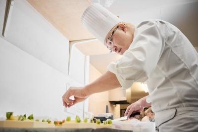 辻口氏がオーナーを務めるフランス菓子店「モンサンクレール」でパティシエ募集!