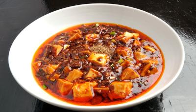 当店は「鉄鍋棒餃子」が人気の中華料理店!埼玉県内の各店舗で、キッチンスタッフ(料理長候補)を募集。