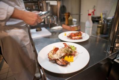 高級店が並ぶ銀座のイタリアンレストランでのキッチンスタッフ!調理経験が活かせます!