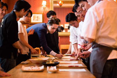 毎月、料理コンテストを開催。採用されれば全店舗でメニュー化されます!