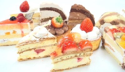 業務用やオンライン通販で販売する洋菓子を製造しています。