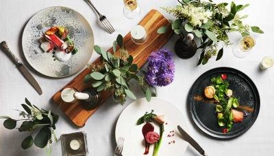 あなたの手がけたお料理が、たくさんの人の心に刻まれます。特別な1日に関わる喜びは大きいですよ。