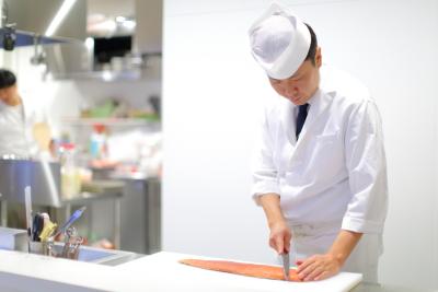 日本料理一本20年以上の料理長のもと修業できます