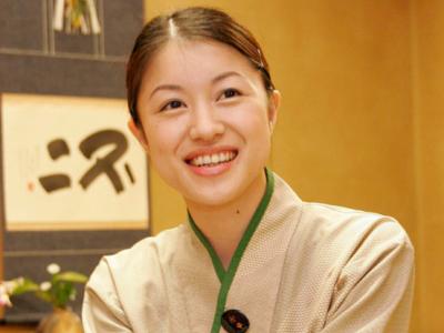 福岡県内9店舗で、将来の店長となっていただける方を募集中。東証二部上場の安定企業です