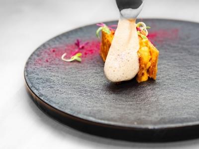 パリからスタートした指折りの名店『Restaurant TOYO 』が東京でスーシェフ募集。