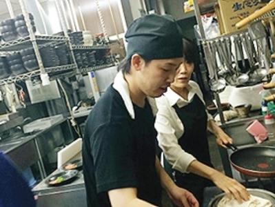 軽井沢で人気の高級焼肉店◎女性活躍中のお店です!