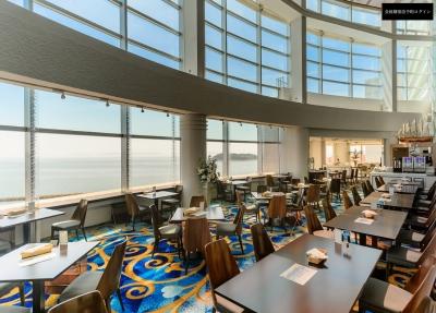 会員制リゾートホテル内のレストランで、将来のサービスマネージャーをめざしませんか。