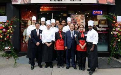 メディアにも多数取り上げられる人気店で、調理スタッフを募集します。