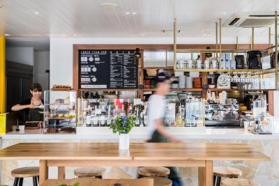 東京23区内のカフェ・創作ダイニング・海外ブランド店舗など...様々な業態のマネージャーを募集!