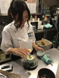 株式会社 三府フードサービス 『廻し鮨 新鮮や』
