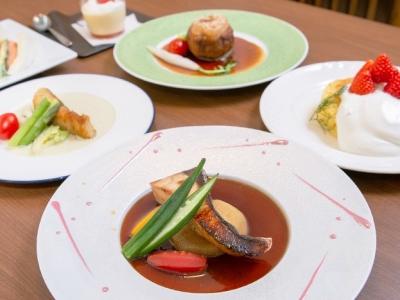 美味しい旬の食材を余すところなく料理しています♪真心のこもった一皿をお客さまのもとへ提供してください