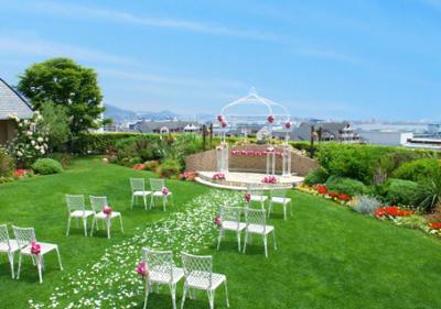 結婚式の二次会や会食などに最適な最上階のパーティールームも設けています。