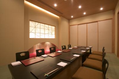 個室もご用意しており、様々な用途でご利用いただいております。