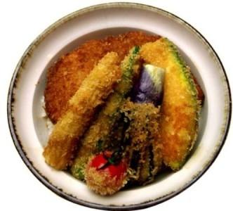"""神保町本店の""""野菜ヒレかつ丼""""が某雑誌で金メダルを受賞。"""