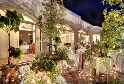 結婚式場やゲストハウスなど、ウエディングにかかわる事業を展開する安定企業!