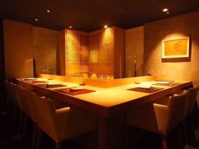 北陸の旬を発信する日本料理店で、将来の店長としてご活躍ください。