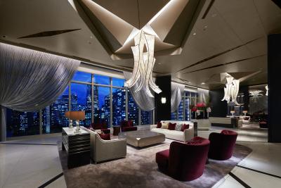 一般用ホテル「ザ・カハラ・ホテル&リゾート横浜」(146室)を併設しています。