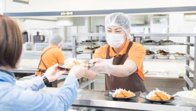 50年以上にわたり様々な企業・教育施設等で食堂を運営。