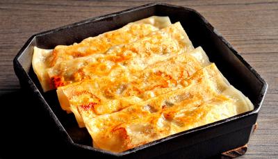 本格手作り餃子は、ジューシーで絶品!中華料理店の看板メニューです。