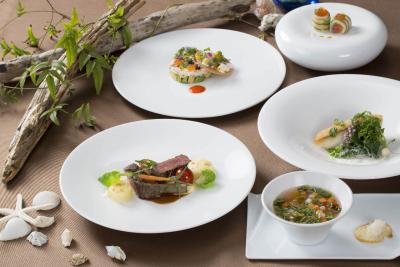 厳選された食材と洗練された料理手法で作り出される、スペシャルディナーコース