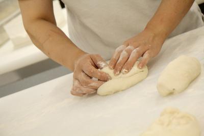 オールスクラッチ製法だから、本格的なパンづくりもゼロから学べる!自分のスキルに応じて活躍できます◎