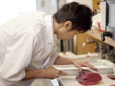 """""""手作り料理と心からのおもてなしで、お客様に活力再生を""""それが当社のモットーです。"""