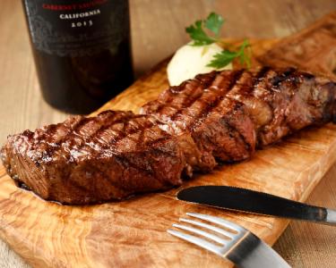 アメリカン、イタリアン、和食と幅広い料理をご提供しています